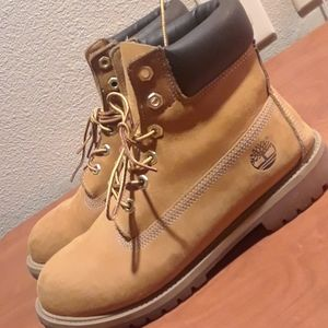 Women's Size 7 Timberlands Boots